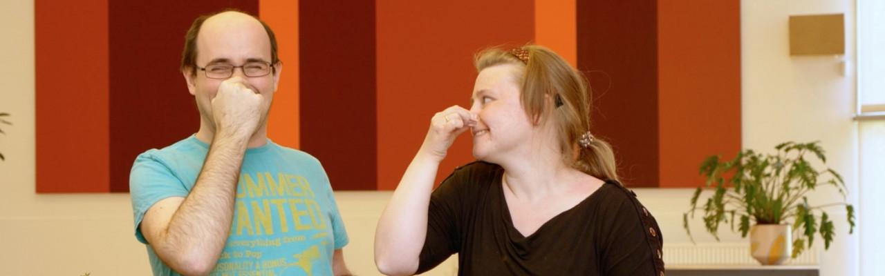 Hvad betyder lugtesansen for smagen? Det kan man undersøge ved at holde sig for næsen. Foto: TV-Glad