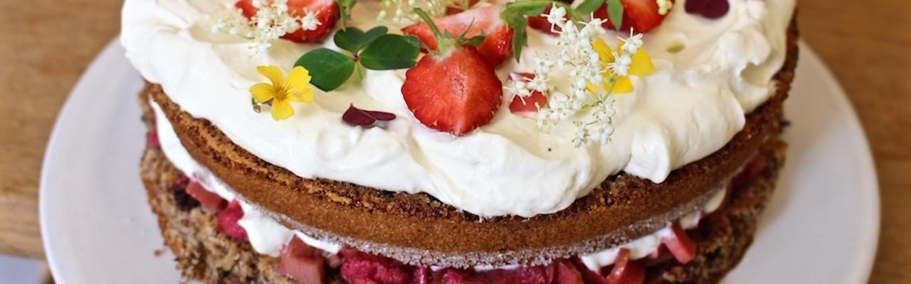 Rugbrødslagkage er en af de mest berømte kager på det sønderjyske kaffebord. Foto: Charlotte Holm Brodersen
