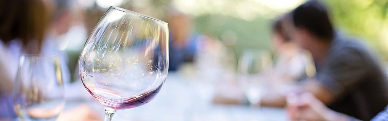 Øvelse gør mester: Sæt ord på, når du smager på vin. Foto: Pixabay