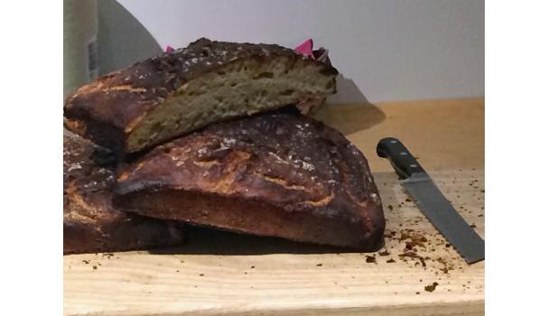Brød bagt på ølandshvede og surdej